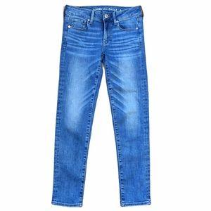 AEO Blue Super Stretch Mid Rise Skinny Jeans sz 2 Short